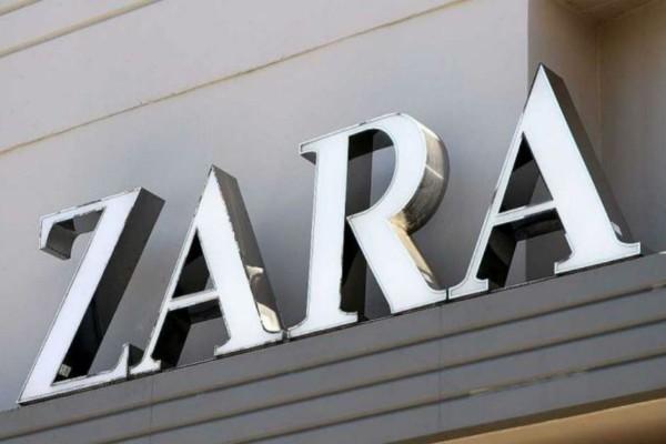 ZARA e shop: Βρήκαμε τη μίνι φλοράλ φούστα που θα αναδείξει τέλεια τα πόδια σου