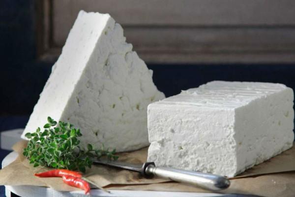 Φέτα ή λευκό τυρί; Ποια η διαφορά και ποιο να επιλέξετε