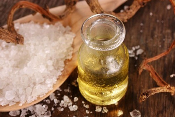 Ελαιόλαδο με αλάτι: Ο συνδυασμός που θα σας σώσει από...