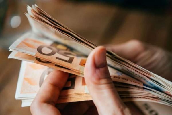 Επίδομα 534 ευρώ: Ποιοι θα το λάβουν όλο το καλοκαίρι
