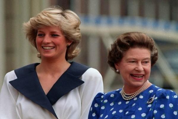 Πανικός με τη Βασίλισσα Ελισάβετ - Λίγο πριν πεθάνει η πριγκίπισσα Νταϊάνα αποκαλύφθηκε το...
