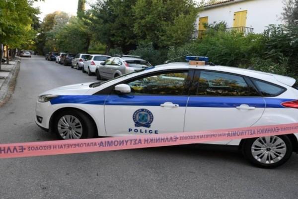 Τραγωδία στην Ναύπακτο: Άνδρας βρέθηκε πυροβολημένος στην αυλή του σπιτιού του