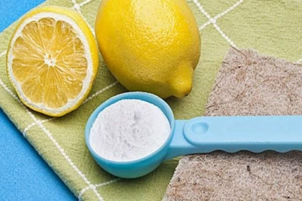 Ανακάτεψε μαγειρική σόδα με λεμόνι και έτριψε τις μασχάλες της - Μόλις δείτε το λόγο θα τρέξετε να το κάνετε