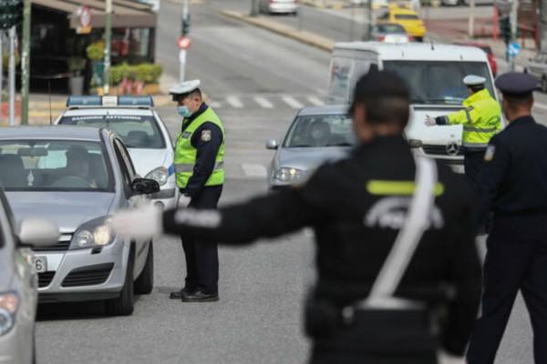 Άρση μέτρων: Πόσα άτομα επιτρέπονται στο αυτοκίνητο από σήμερα 29/6 - Νέα ΚΥΑ για ΙΧ και Ταξί  - Για ποιους παραμένει υποχρεωτική η χρήση μάσκας