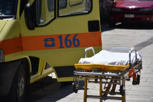 Τραγωδία: 64χρονη έπεσε από το μπαλκόνι ενώ έβαφε