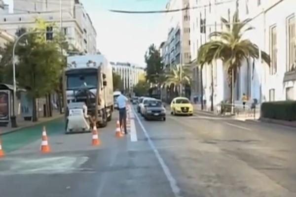 «Διπλός» χαμός στην Αθήνα: Απεργία υγειονομικών και «Μεγάλος Περίπατος» έφεραν τον πανικό