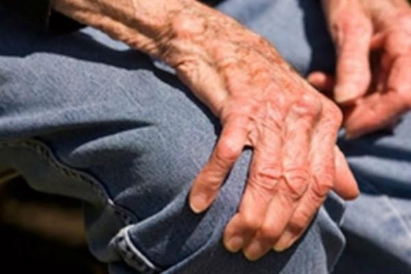 Νέο περιστατικό: 74χρονος στον Βόλο εντοπίστηκε σε ημιλιπόθυμη κατάσταση από την πείνα