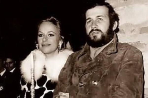 Βουγιουκλάκη - Παπαμιχαήλ: Η κρυφή ιστορία πίσω από την φωτογραφία της Ανάστασης του 1971