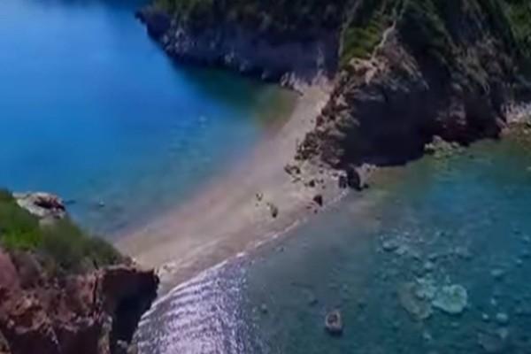 2 παραλίες όνειρο, μια ανάσα από την Αθήνα και με 10 ευρώ βενζίνη! Θα σας μαγέψουν