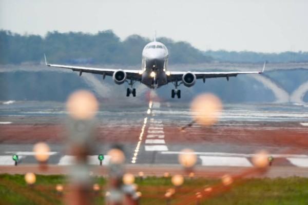 Ποια άρση μέτρων; Ακυρώνονται πτήσεις λόγω νέου lockdown