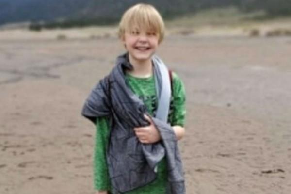 Φρίκη: 11χρονος βρέθηκε με αφρούς στο στόμα και μέσα στα αίματα - Πατέρας και μητριά του έδωσαν να πει τόσο νερό που πέθανε