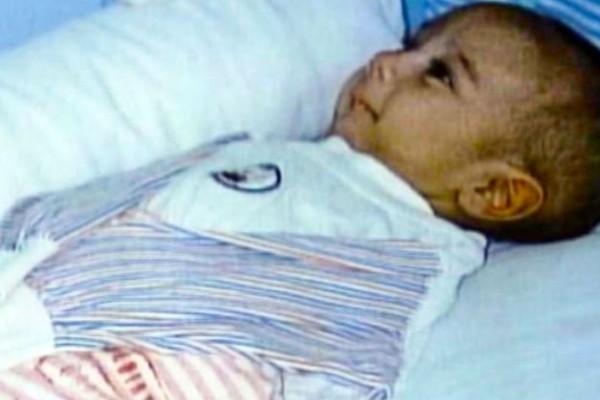 Εγκατέλειψαν μωρό στο νοσοκομείο και όταν η νοσοκόμα σήκωσε την κουβέρτα του, ούρλιαξε από τρόμο