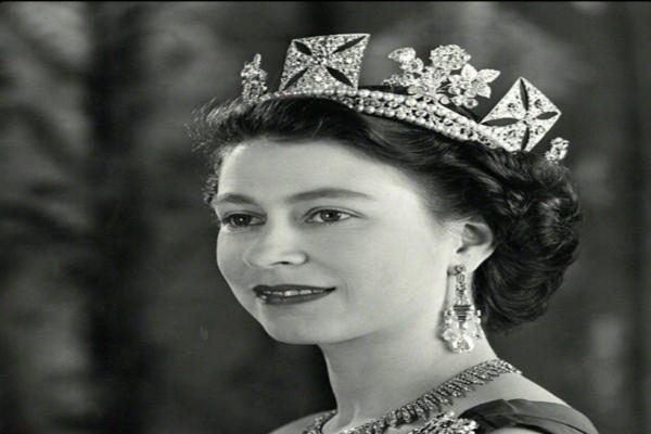 Δάκρυα χαράς για τη Βασίλισσα Ελισάβετ - Ιστορικές στιγμές μετά από 67 χρόνια