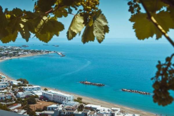 Πανζουρλισμός: Το ελληνικό νησί που γέμισε το τριήμερο και θα γίνει πανικός και το καλοκαίρι