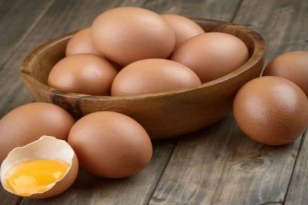 Έβαλε στοίχημα και έφαγε 50 αυγά - Λίγα λεπτά μετά...