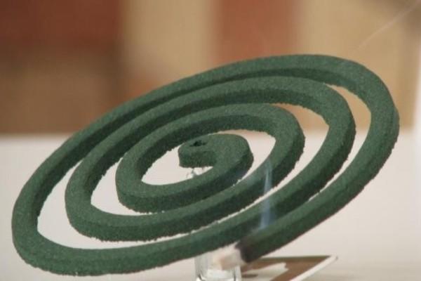 Μεγάλη προσοχή: Μόλις δείτε από τι φτιάχνεται το φιδάκι για τα κουνούπια θα πάθετε πλάκα