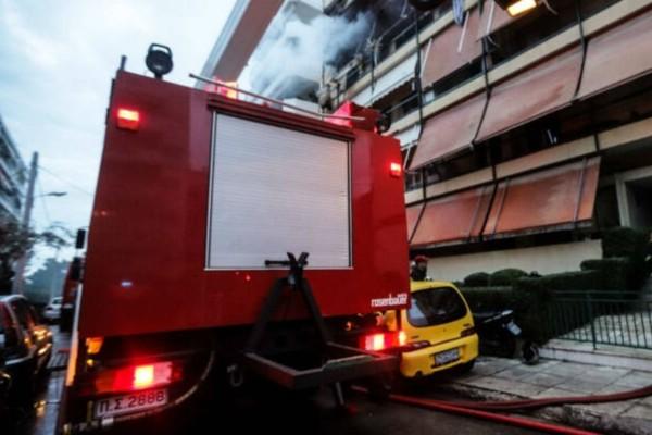 Συναγερμός στη Νίκαια: Φωτιά σε διαμέρισμα