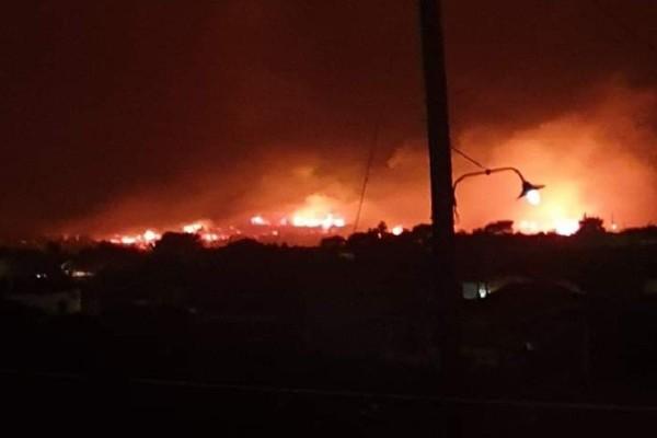 Συναγερμός στη Ζάκυνθο: Μεγάλη φωτιά σε δασική έκταση απειλεί το χωριό Μαριές