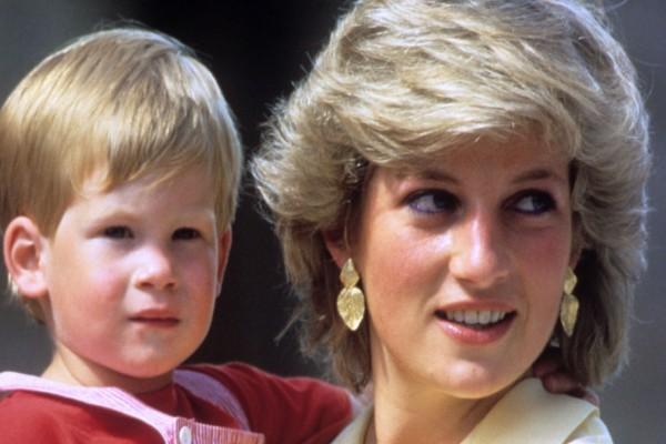 «Πραγματικός μπαμπάς του Πρίγκιπα Χάρι είναι ο...» - Αποκάλυψη που ντροπιάζει την Πριγκίπισσα Νταϊάνα