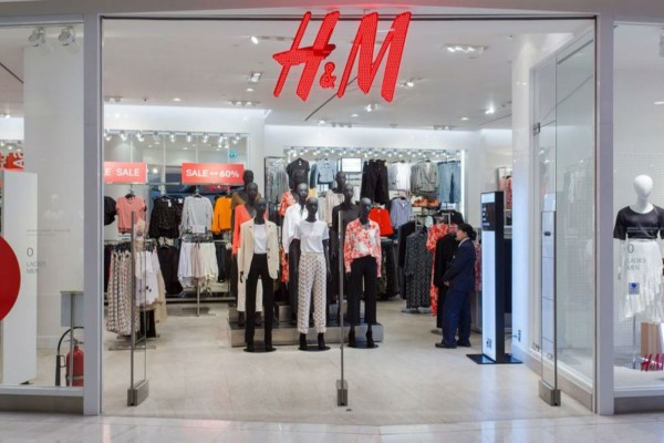H&M: Βρήκαμε την πιο girly πλισέ φούστα με μόλις 12,99€