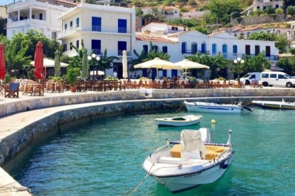 Το ελληνικό νησί με ιστορία 9.000 χρόνων που οι κάτοικοι ζουν για πάντα!