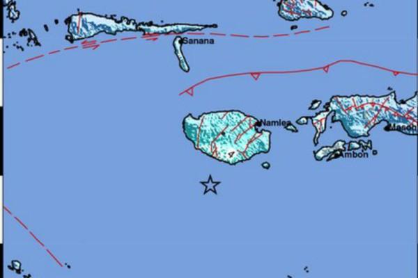 Ισχυρός σεισμός 6 Ρίχτερ στην Ινδονησία