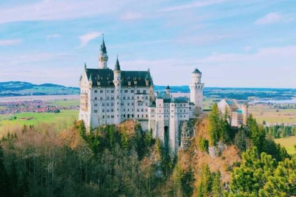 Τα 9+1 πιο ωραία παλατάκια και κάστρα της Ευρώπης!