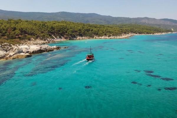 Το κάτι άλλο: Ο εξωτικός παράδεισος από σύμπλεγμα μικρών παραλιών βρίσκεται στην Ελλάδα
