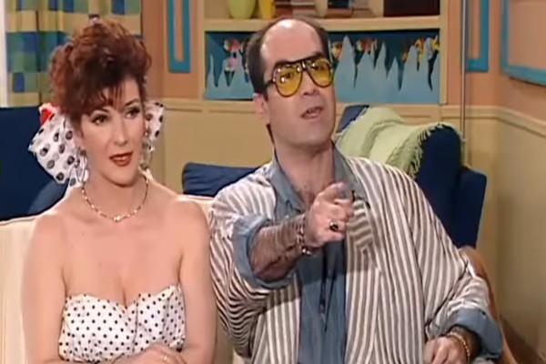 22 χρόνια μετά κούκλα: Η εμφάνιση της «Λολότας Μπάρας» από το «Κωνσταντίνου και Ελένης» που θα έκανε τρελό τον «Χλέμπουρα»