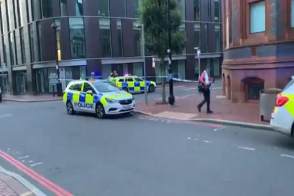 Μακελειό στη Βρετανία: 3 νεκροί μετά από επίθεση αγνώστου με μαχαίρι (photo-video)