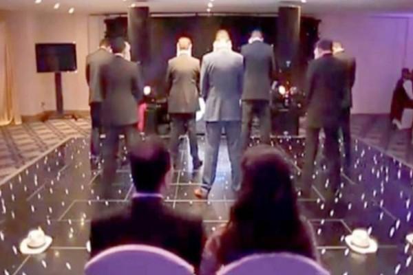 Τα 7 αδέρφια της νύφης γύρισαν πλάτη στους καλεσμένους την ώρα της δεξίωσης. Κανείς δεν είχε ιδέα τι θα ακολουθούσε!
