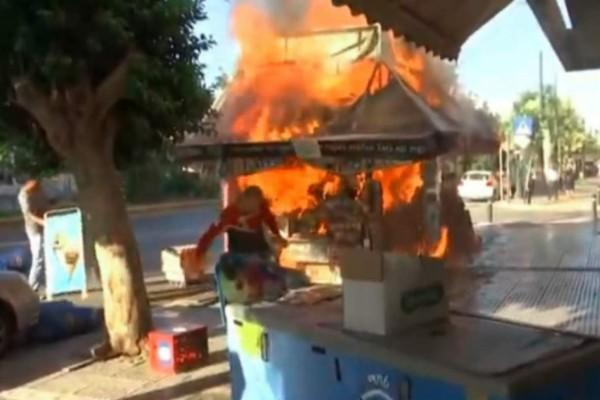Φωτιά ξέσπασε σε περίπτερο της Καλλιθέας