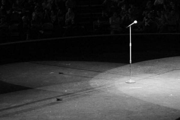 Θρήνος στο καλλιτεχνικό στερέωμα: Πέθανε γνωστή τραγουδίστρια (photo-video)