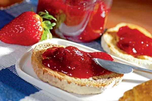 Σταματήστε να τρώτε ψωμί με μαρμελάδα - Ο λόγος θα σας αφήσει άφωνους