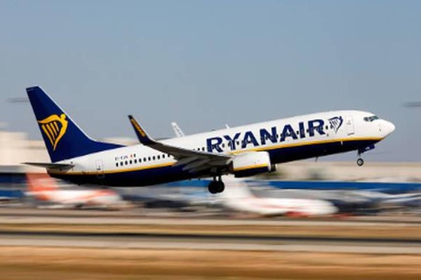 Ανατροπή από την Ryanair: Επιπλέον χρεώσεις; Όλη η αλήθεια