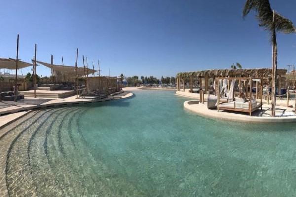 Η μεγαλύτερη πισίνα με θαλασσινό νερό στην Ευρώπη είναι στην Ελλάδα - Αξίζει να κολυμπήσετε σε αυτή