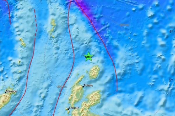 Ισχυρός σεισμός 6,4 Ρίχτερ στην Ινδονησία (photo)