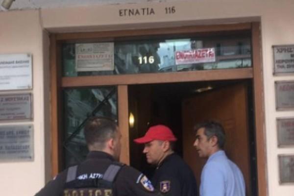 Φρίκη στη Θεσσαλονίκη: Γυναίκα τυλιγμένη στις φλόγες έπεσε από μπαλκόνι να σωθεί - Βρήκε τραγικό θάνατο