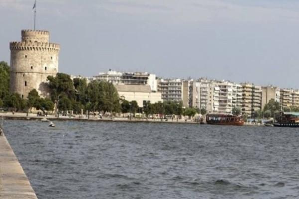 Σοκ στη Θεσσαλονίκη: 66χρονος έπεσε στον Θερμαϊκό