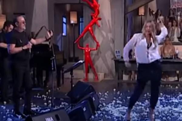 Το αμαρτωλό τσιφτετέλι λαμπερής Ελληνίδας που έκανε μέχρι και τον Γονίδη να χορέψει (video)