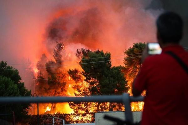 H μαύρη μέρα της Ελλάδας - 2 χρόνια από την τραγωδία στο Μάτι με τους 102 νεκρούς (photos+video)