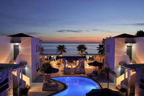 Τάσος Δούσης: Μας ξεναγεί στο πιο μαγευτικό ξενοδοχείο της Θάσου - Βρίσκεται πάνω στην θάλασσα