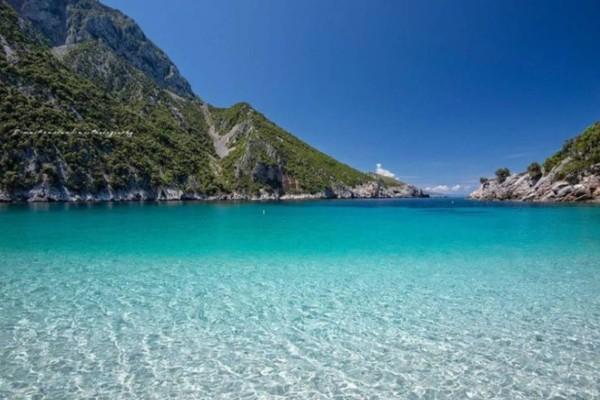 Παραλία όνειρο: Ο μοναδικός προορισμός, μια ώρα από την Αθήνα, που θα ερωτευτείς!