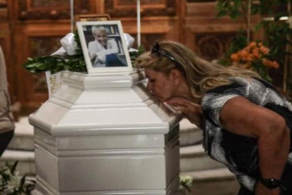 Ζωή Λάσκαρη: Το σημείο που έγινε ο τάφος της, έχει νόημα που συγκινεί!