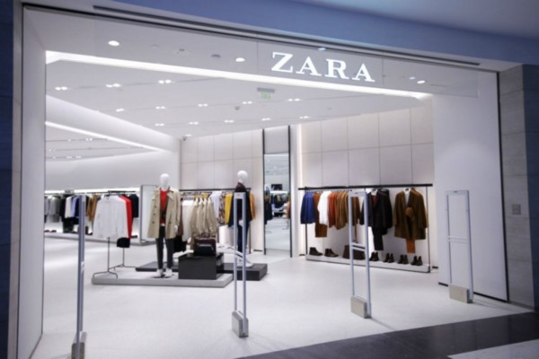 Zara: Φούστα με καστόρινη όψη μόνο με 7,99€
