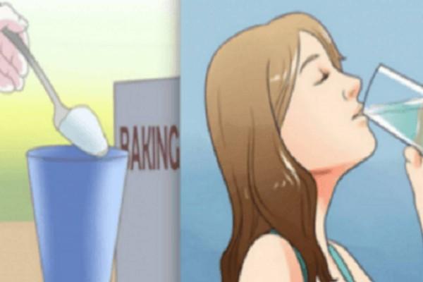 Κάθε πρωί, έπινε ένα ποτήρι νερό με μαγειρική σόδα. Μόλις δείτε το σώμα της μετά από έναν μήνα, δεν θα το πιστεύετε!