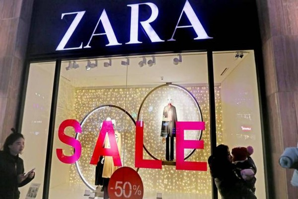Zara: Με 19,99 ευρώ κάνεις δικό σου το τέλειο φόρεμα που θα φοράς συνέχεια!