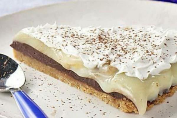 Γλυκό ψυγείου με μπανάνα και μπισκότα - Έτοιμο μέσα σε 15 λεπτά