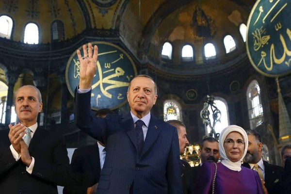 Μαύρη μέρα για την Ορθοδοξία: Σήμερα γίνεται τζαμί η Αγία Σοφιά με προκλητικό show Ερντογάν