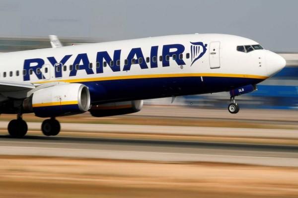 Ryanair: Προσφορά για εισιτήρια ούτε με 10 ευρώ!